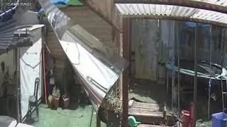פורץ לדירה ברחוב אלישבע בכפר סבא. צילום משטרת ישראל thumbnail