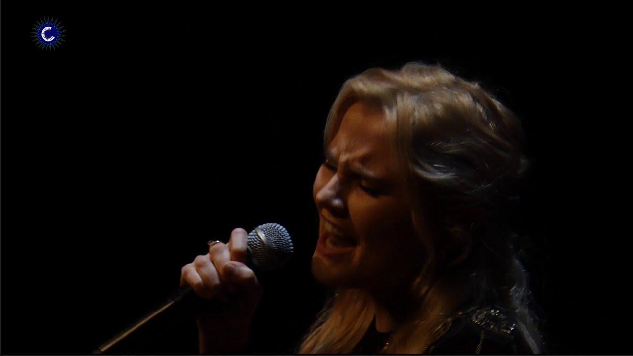 Laura van den Elzen - Total Eclipse of The Heart - LIVE in