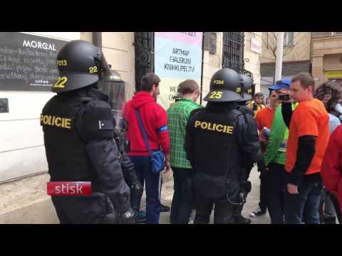 Tanec i násilí, tak vypadal první máj v Brně