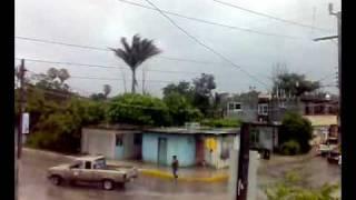 Huracán Alex horas antes de llegar a Soto La Marina