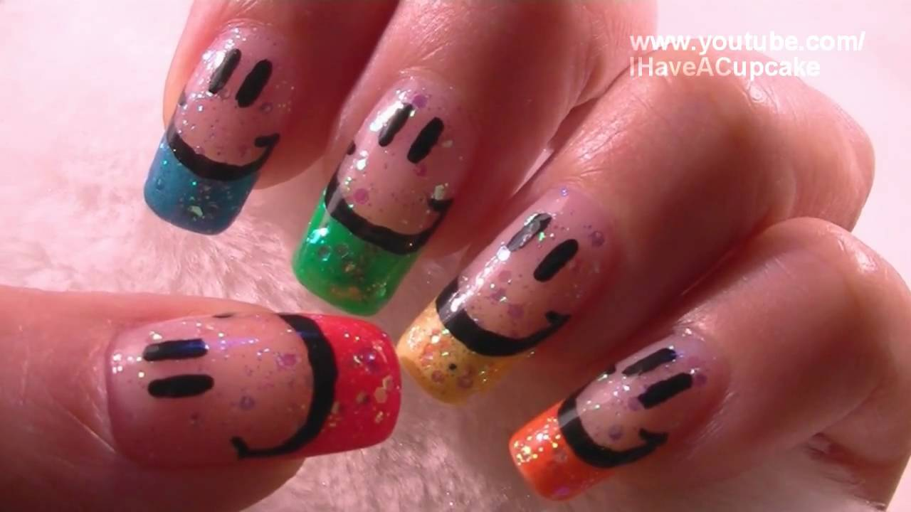 Smiley Face Nail Art Tutorial / Arte para las uñas de sonrisas - YouTube