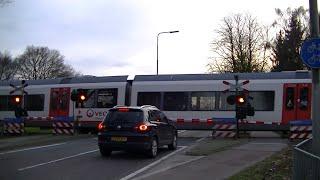 Spoorwegovergang Meerlo-Tienray // Dutch railroad crossing