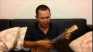 Bài hát Đàn bà của nhạc sĩ Song Ngọc, tự đệm hát bằng đàn Ukulele