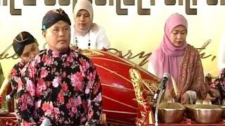 SHOLAWAT BADAR - Javanese Gamelan Music - KBRI Abu Dhabi [HD]