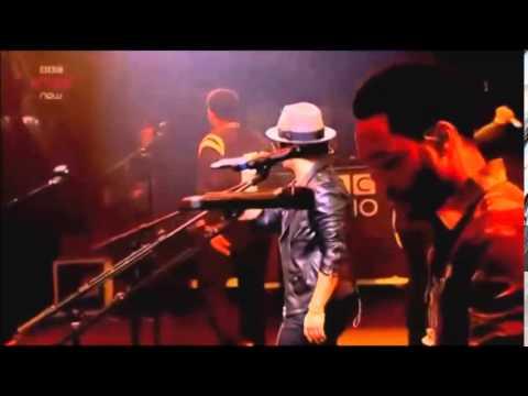 Bruno Mars - Natalie (Live)