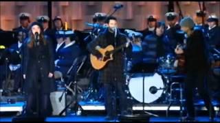 Adam Levine (Maroon5) & Sara Bareilles - Happy Christmas (Live)