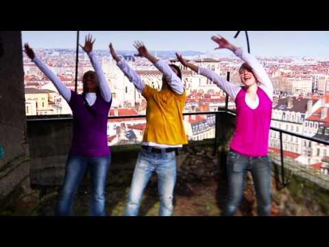 Communauté du Chemin Neuf - Flashmob Come Holy Spirit !