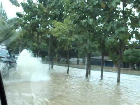 タイ 2010-10-01  洪水 Thailand