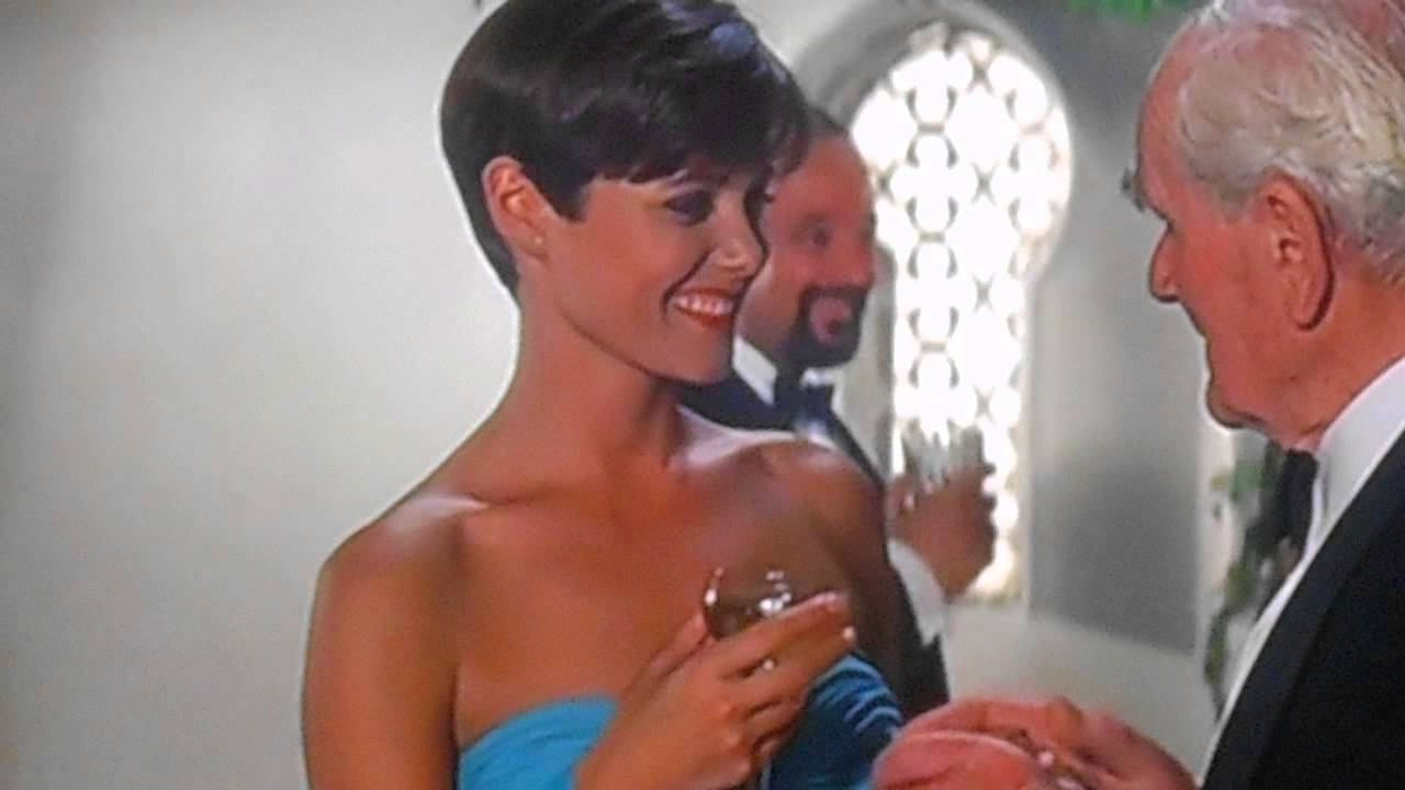 007 licence to kill ending relationship