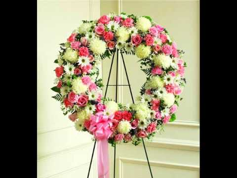 Funeral flower wreath funeral flowers youtube solutioingenieria Image collections