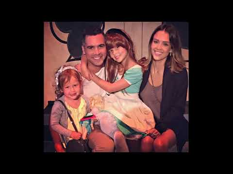 Actress Jessica Alba With Her Husband Producer Cash Warren And Their Daughters