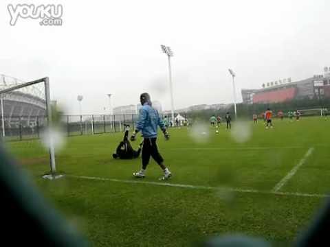 20101010 Uruguay team training in Wuhan part2.flv