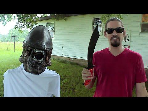 ALIEN versus KA-BAR SWABBIE! Zombie Go Boom