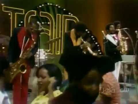 Kool & The Gang - Hollywood Swinging [+Interview & Q&A] - Soul Train (1974)