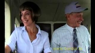 """Download Скрытая камера. Пилот выходит из самолета. Оставшийся пасажир """"вспоминает прожитую жизнь"""" Mp3 and Videos"""