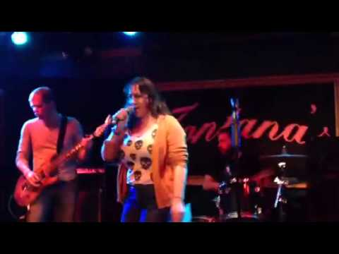 Heavy Metal Karaoke - Wendy Sue