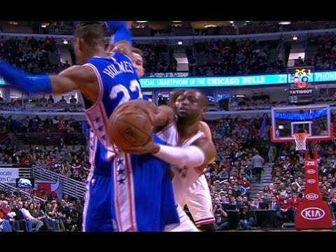 Dwyane Wade FAKES Out Defender Then Hits The Jumper!