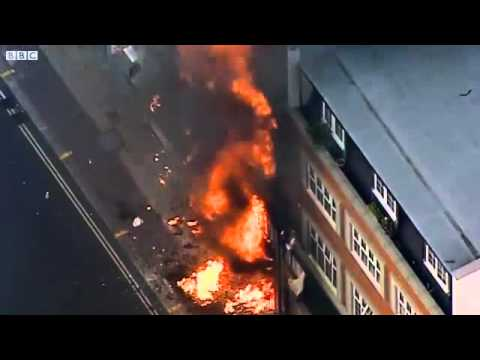 BBC News, London riots Peckham shops ablaze