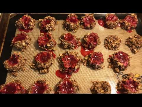 cook-with-me-pbj-oat-cookies-2-smartpoints-and-simply-filling