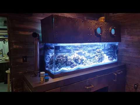 Submarine look fish tank aquarium