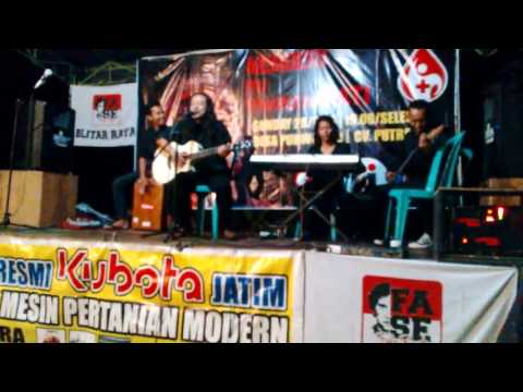 Sugali (Iwan Fals Cover} - Live Sanankulon Blitar