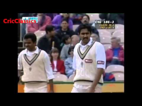 Stunning Run out by Venkatesh Prasad of Graham Thorpe