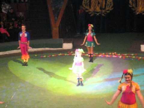 """Circus group """"Jauniba"""" Riga, Latvija"""