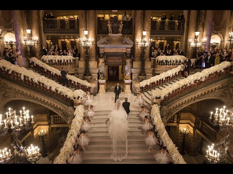 Watch this breathtaking bridal entrance at Opera garnier, Paris !