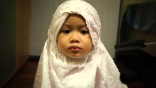 "Remarkable:Lovely Cute Little girl Reciting ""Holy Quran"" From Her Memory"