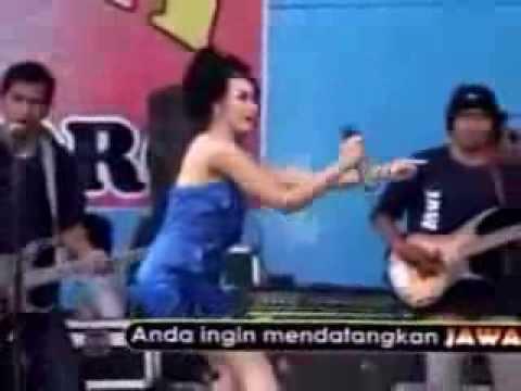 Dangdut Koplo Hot Citra Marcelina Hot  Buka Sitik Joss
