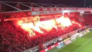 02.11.2019raketen auf dem feld - berlin-derby kurzzeitig unterbrochenunion und hertha treffen erstmals in der bundesliga aufeinander. endstand 1:0