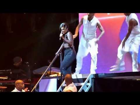 Alicia Keys - New Day Live @ Bercy Paris 24-06-2013 HD