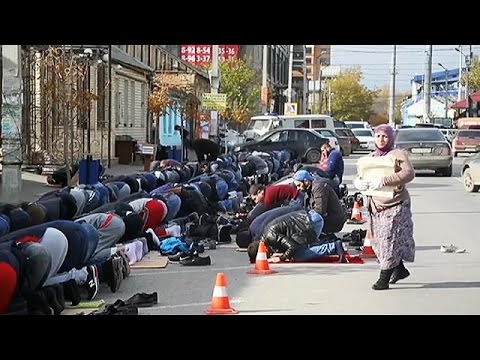 Muslims in Russian Federation, under police pressure (some)