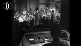 """Pippo Barzizza dirige """"Musica Maestro!"""". Frammento da """"La settimana Incom"""", 1947."""