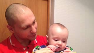 Как правильно чистить зубы малышу?(Заходите на наш сайт http://mihailzaslavsky.ru телефон в Самаре: 8 (846) 972 92 11 В этом видео доктор Михаил Заславский расска..., 2015-01-30T08:21:28.000Z)