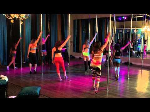 Skin - Rihanna Beginner Pole Dance Routine 1-12-15