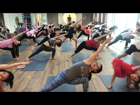power-yoga-flow-weight-lose-with-master-ajay-in-jai-yoga