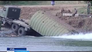 Губернатор проверил, как идет строительство моста у села Нижнеозерного
