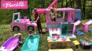Barbie and Ken NEW Camper and RV Trip to Mountains with Barbie Sister Chelsea Lost in a Woods
