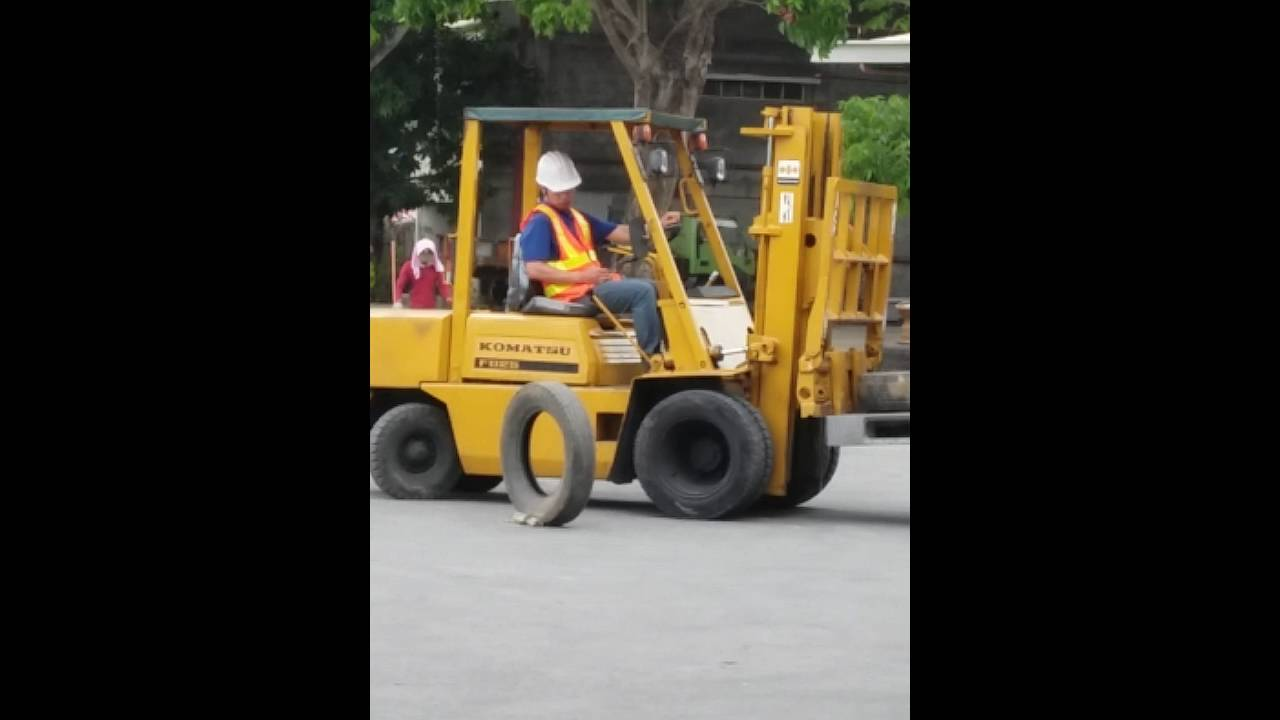 Forklift training at c one trucks and equipment knas tesda youtube forklift training at c one trucks and equipment knas tesda xflitez Gallery
