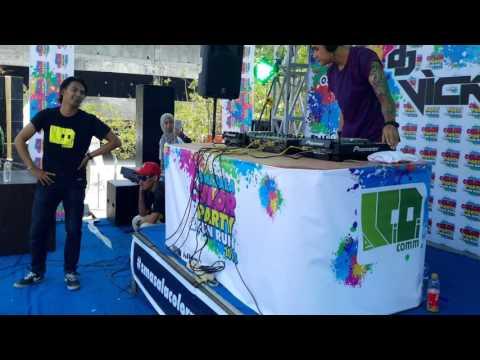 DJ. Vicky Nitinegoro @Colour Run