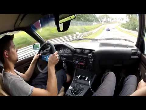 BMW 325i E30 @ Nordschleife Nürburgring ... CRASH a E46 while overtaking