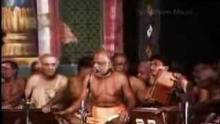 Sampradaya Bhajan and Divyanamam by HH Swami Haridas Giri Part 1