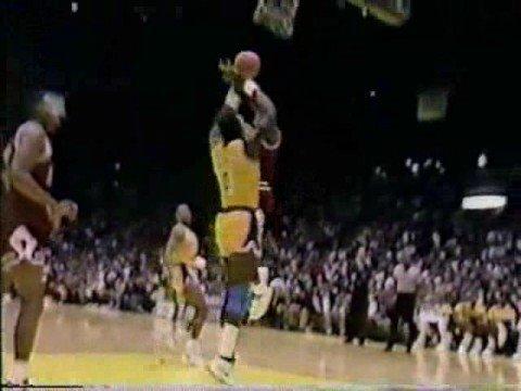 Michael Jordan posterizing Orlando Woolridge 1990