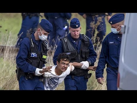 ugly-scenes-at-hungary's-serbian-border-as-migrants-clash-with-police