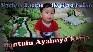 Download Video Video lucu (baby funny video) bayi 10 Bulan Bantuin Ayahnya Kerja (part 3) MP3 3GP MP4