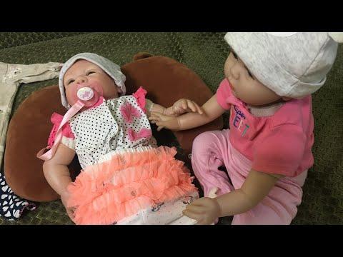 VLOG С реборном. Новая одежда для реборна  Лолы и Лили. Приветики!