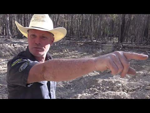 Metal Detecting My First Australian Gold Nugget! | Aquachigger