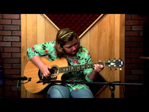 Tommy Emmanuel's Luttrell Performed By 13 Year Old Guitarist Grace Constable - Taylor Guitars