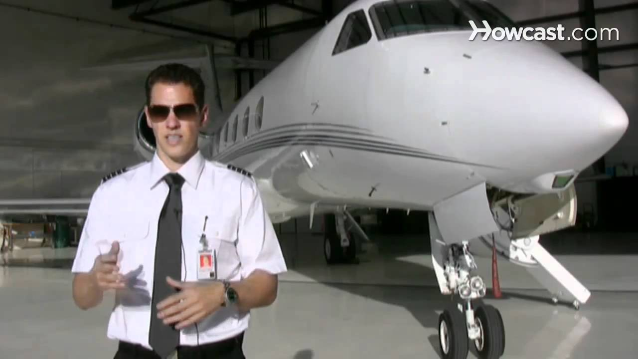 How to Become a Commercial Pilot | Flying Lessons - YouTube